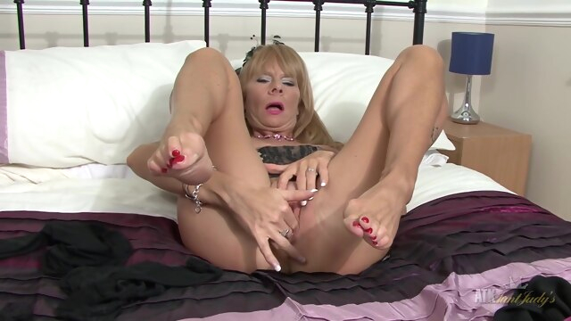 mature blonde feet blonde fetish foot fetish
