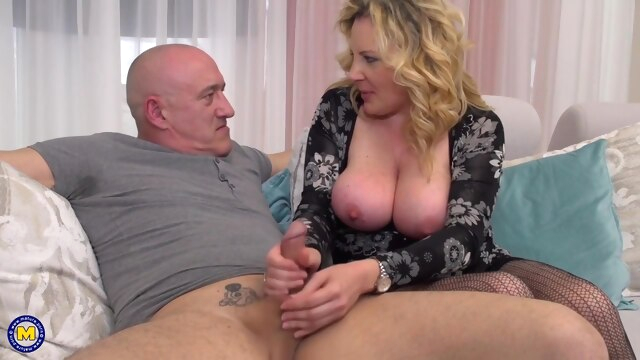 Curvy blonde woman is getting fucked.. big tits blonde hd