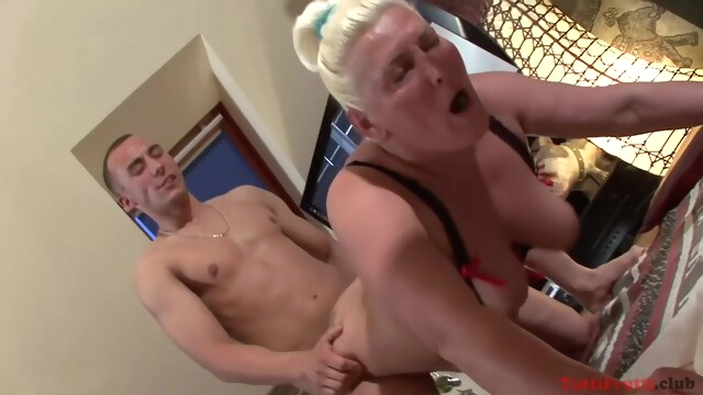 Amateurs Chunky Granny first time amateur big tits blonde