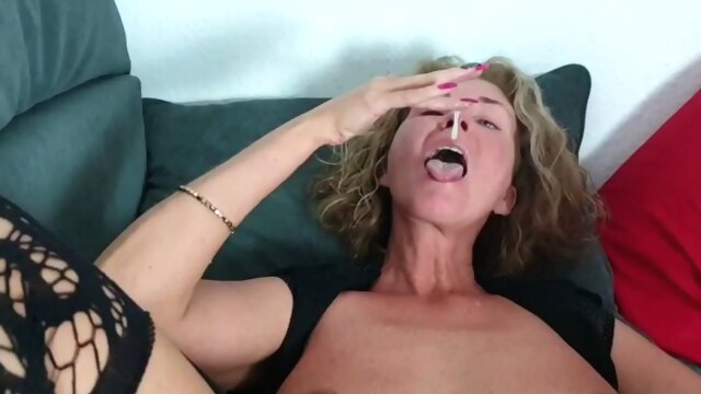 EXTREME PERVERTED German MILF eats much.. anal blowjob mature