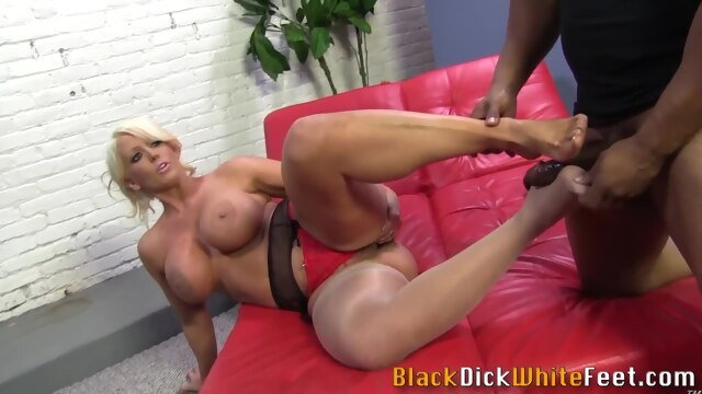 Milf gets cum on feet from big black cock hd